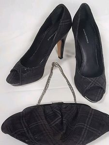 Banana Republic Shoes - Banana Republic peep toe platform pump & purse